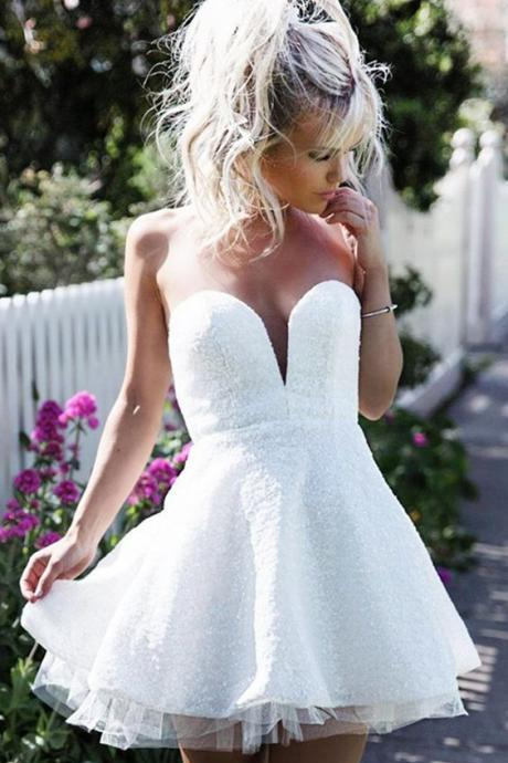 A-Line Sweetheart Sleeveless Short White Lace Homecoming Dress
