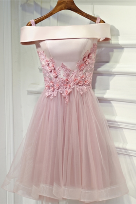 Off-the-Shoulder Pearls A-Line Appliques Mini Homecoming Dress