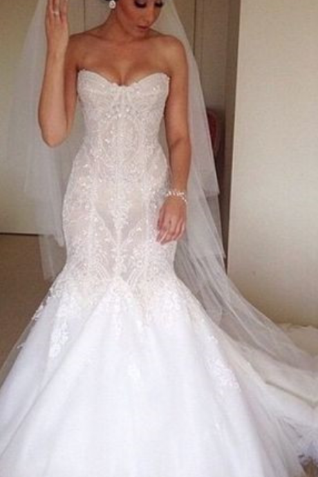 Strapless Sweetheart Lace Mermaid Wedding Gown