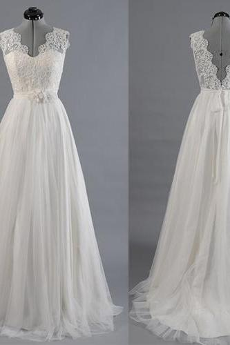 Wedding Dresses,2017 Wedding Gown,Lace Wedding Gowns,Ball Gown Bridal Dress,Fitted Wedding Dress,Brides Dress,Vintage Wedding Gowns,Straps Wedding Dress